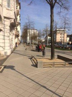 Umgebaute Goethestraße in Kassel mit mehr Platz für FußgängerInnen