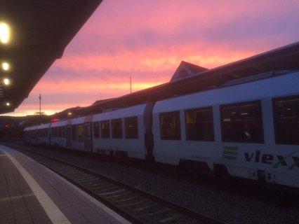 Bad Kreuznacher Bahnhof mit Abendhimmel bei Testfahrt