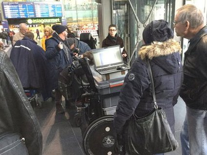 Bild von der Kundgebung im Berliner Hauptbahnhof