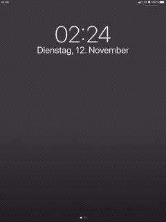 iPad Uhr zeigt 2:24 Uhr