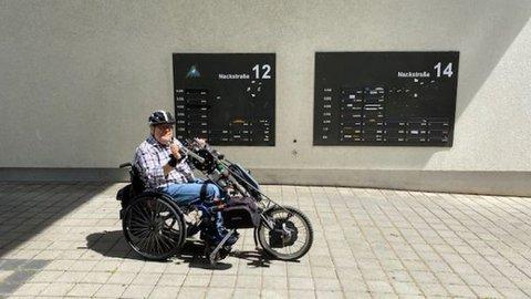 Matthias Rösch mit seinem Handbike