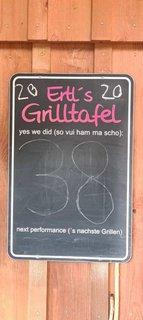 Ertl's Grilltafel 2020 mit der Zahl 38 drauf